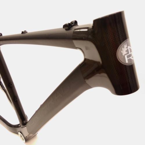 Reparation af kronrør på carbon cykel
